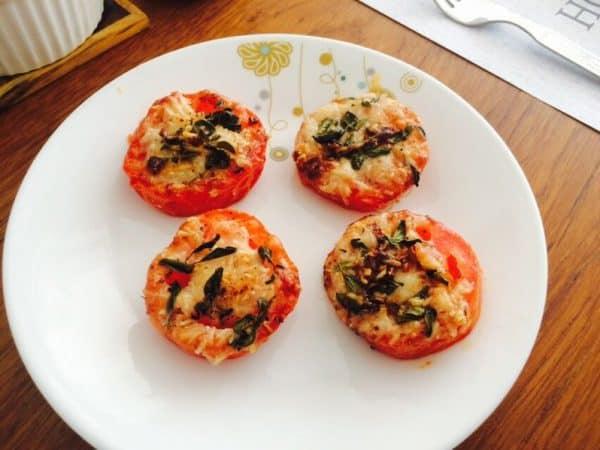 Cheesy Tomato Bakes