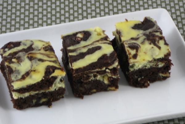 Keto-Friendly Brownie Cheesecake